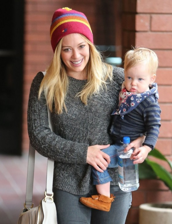 Hilary Duff at Babies to Babies Class -09