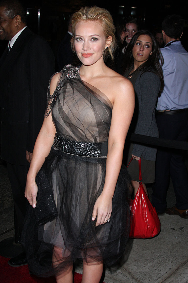Hilary Duff 2010 : hilary-duff-at-the-shine-on-event-in-nyc-14