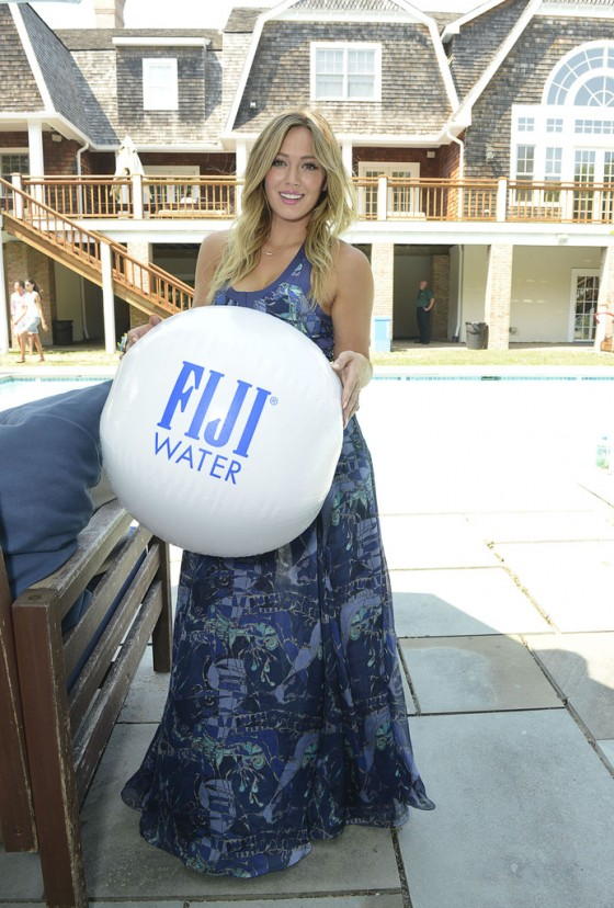 Back to post hilary duff – fiji water days of summer 2013