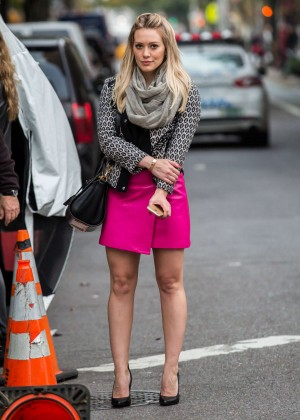 Hilary Duff in Pink Mini Skirt on Younger set -03