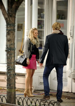 Hilary Duff in Pink Mini Skirt on Younger set -05