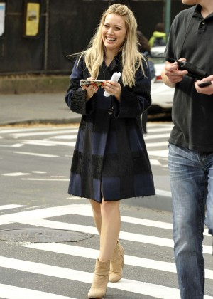 Hilary Duff in Pink Mini Skirt on Younger set -08