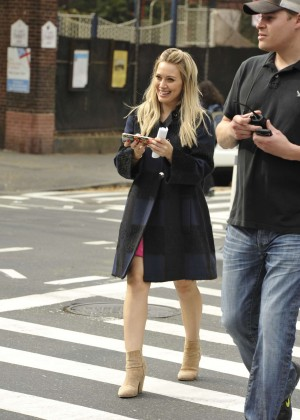 Hilary Duff in Pink Mini Skirt on Younger set -11