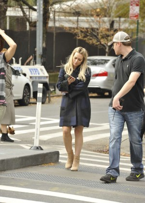 Hilary Duff in Pink Mini Skirt on Younger set -13