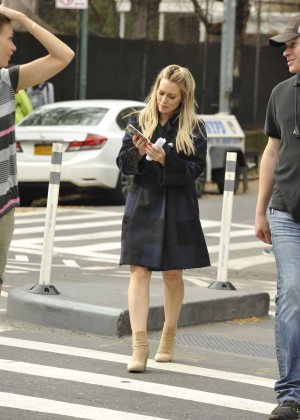 Hilary Duff in Pink Mini Skirt on Younger set -15