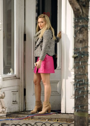 Hilary Duff in Pink Mini Skirt on Younger set -21