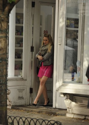 Hilary Duff in Pink Mini Skirt on Younger set -35