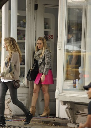 Hilary Duff in Pink Mini Skirt on Younger set -36