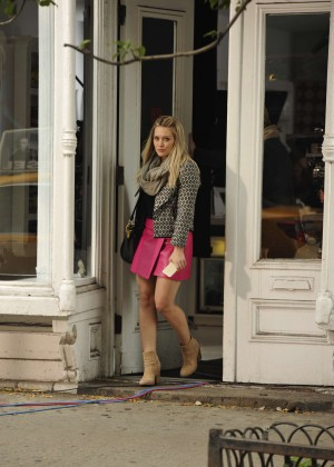 Hilary Duff in Pink Mini Skirt on Younger set -38