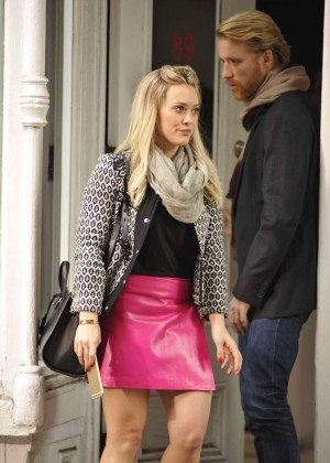 Hilary Duff in Pink Mini Skirt on Younger set -42