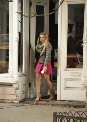 Hilary Duff in Pink Mini Skirt on Younger set -45