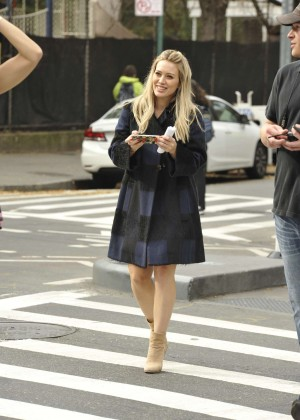 Hilary Duff in Pink Mini Skirt on Younger set -46