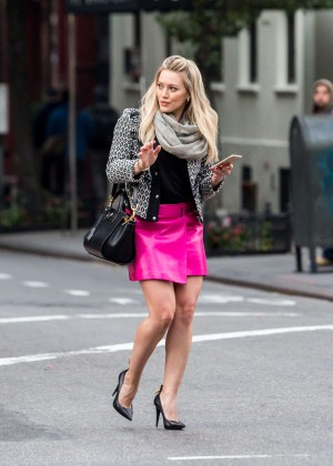 Hilary Duff in Pink Mini Skirt on Younger set -56