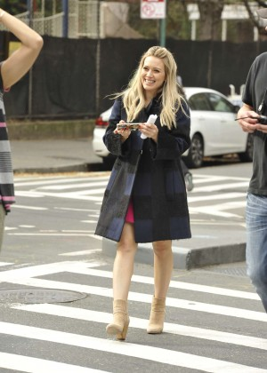 Hilary Duff in Pink Mini Skirt on Younger set -60