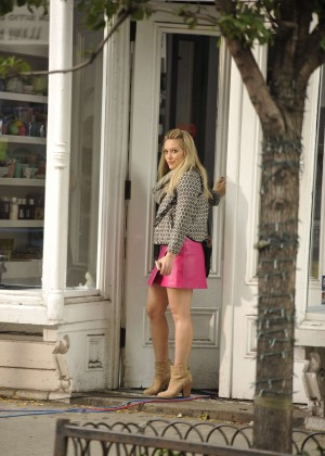 Hilary Duff in Pink Mini Skirt on Younger set -61