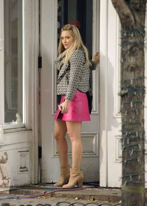 Hilary Duff in Pink Mini Skirt on Younger set -62