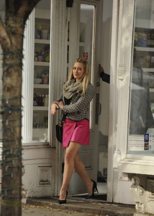 Hilary Duff in Pink Mini Skirt on Younger set -77