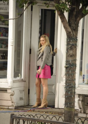 Hilary Duff in Pink Mini Skirt on Younger set -79