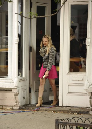 Hilary Duff in Pink Mini Skirt on Younger set -80