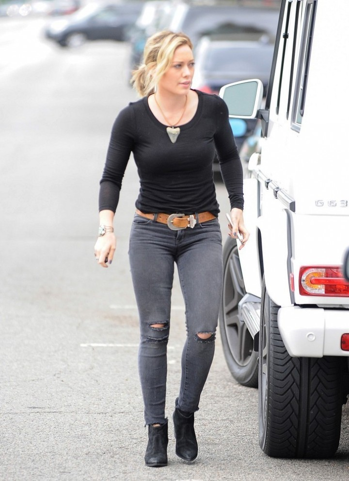 Hilary Duff – going to a party in Sherman Oaks