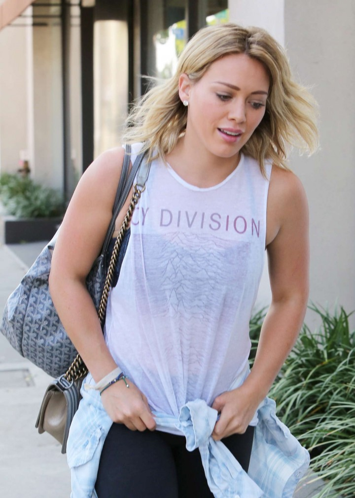 Hilary Duff – Heads to the gym in West Hollywood