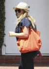Hilary Duff in Jeans While Shopping in West Hollywood-08