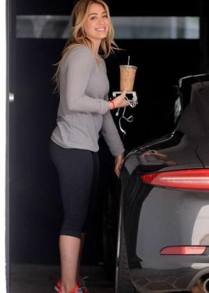 Hilary Duff in Tight Leggings -06