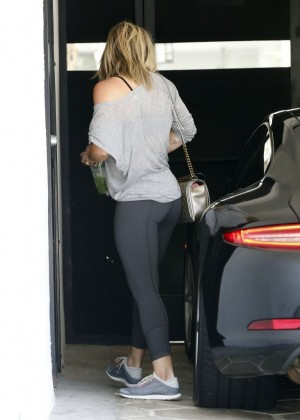 Hilary Duff in tights at a gym in LA-10