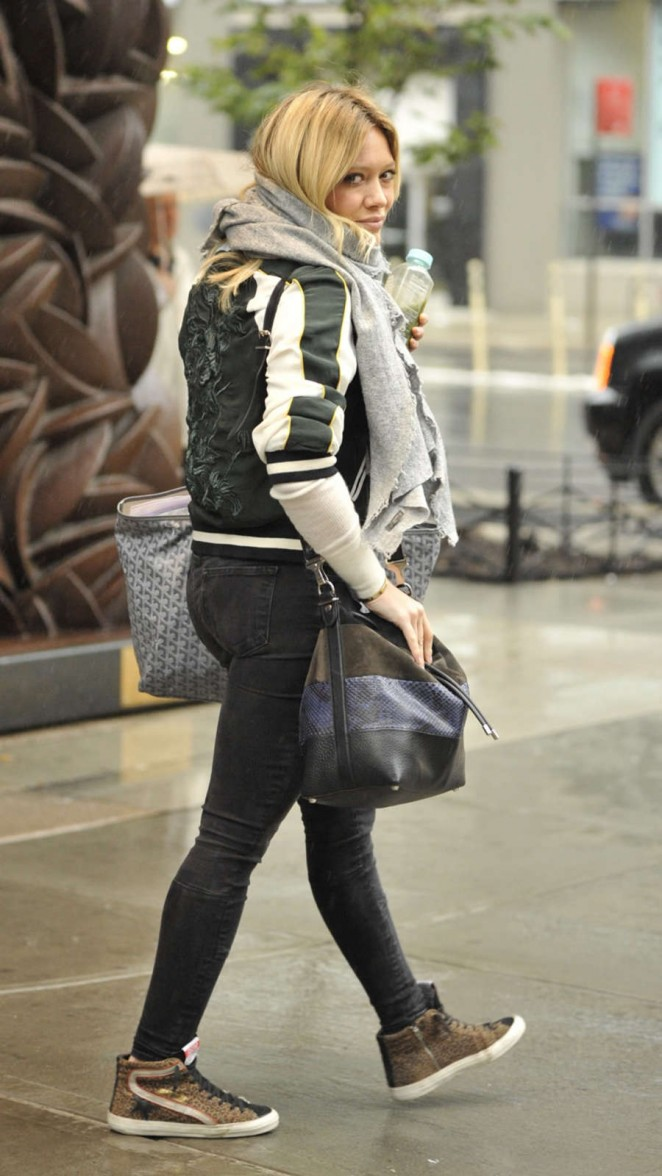Hilary Duff in Tight jeans Leaving her hotel in New York