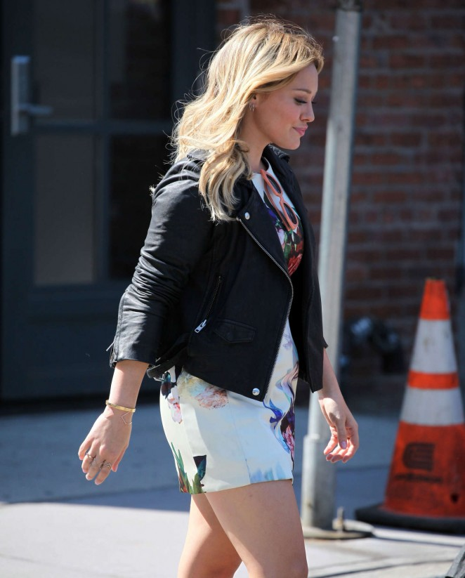 "Hilary Duff filming ""Younger"" in NYC"