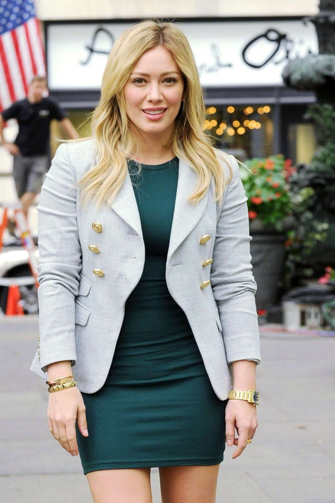 Hilary Duff Green Dress