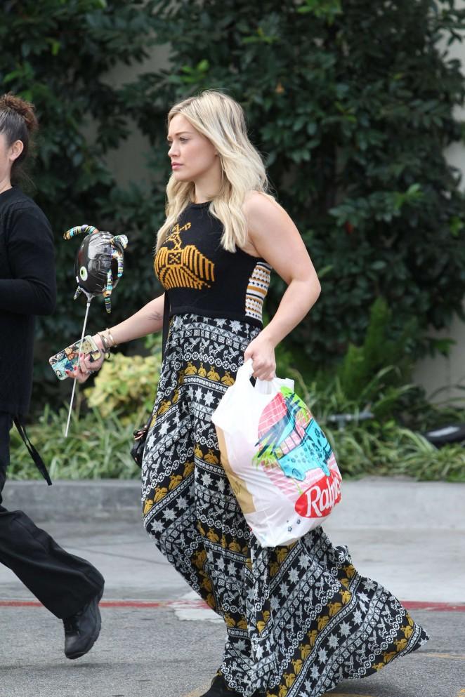Hilary Duff - Shopping for Halloween in LA