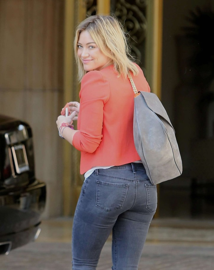 Hilary Duff steps out on Canon Drive