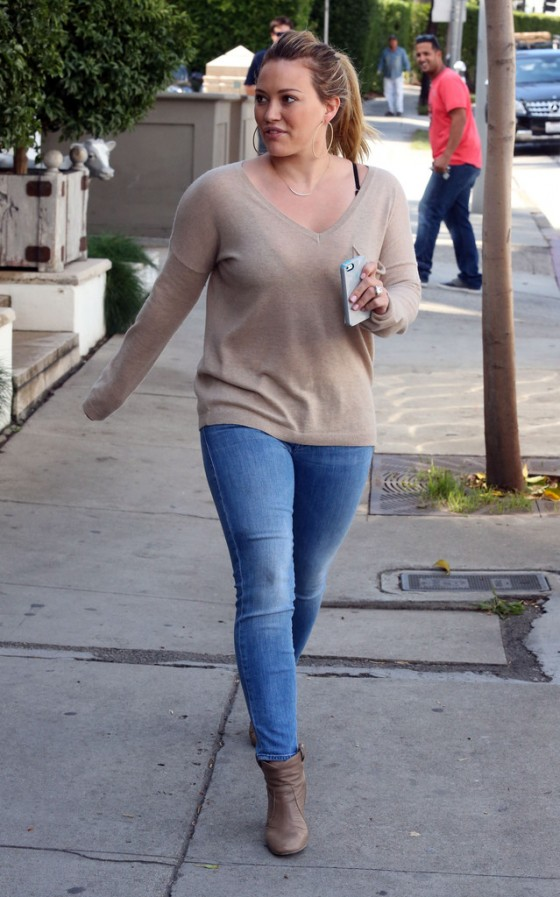 HIlary Duff – Tight jeans candids-18