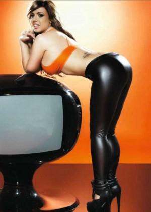 Holly Hagan: Nuts Magazine -03