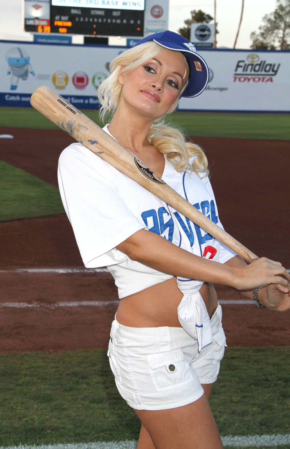 Holly Madison 2010 : holly-madison-at-cashman-field-14