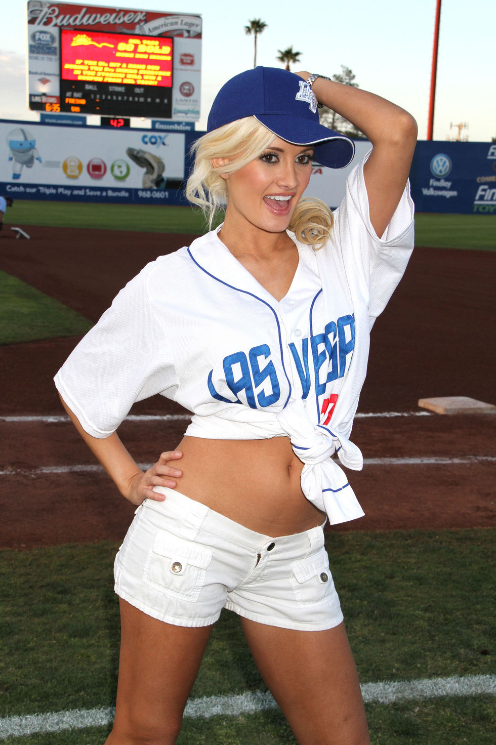 Holly Madison 2010 : holly-madison-at-cashman-field-15