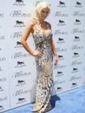holly-madison-at-mgm-grand-hosting-wet-republic-05