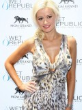 holly-madison-at-mgm-grand-hosting-wet-republic-12