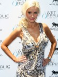 holly-madison-at-mgm-grand-hosting-wet-republic-15