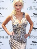 holly-madison-at-mgm-grand-hosting-wet-republic-26
