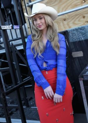 Iggy Azalea: 2014 mtvU Woodie Awards -08