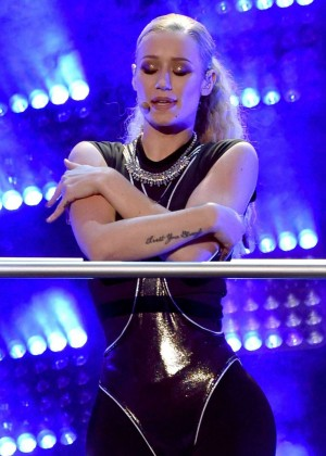 Iggy Azalea - 2014 American Music Awards in LA
