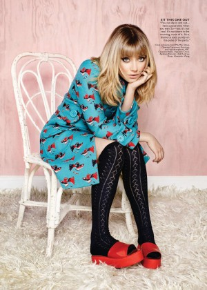 Imogen Poots: Flare Canada -11