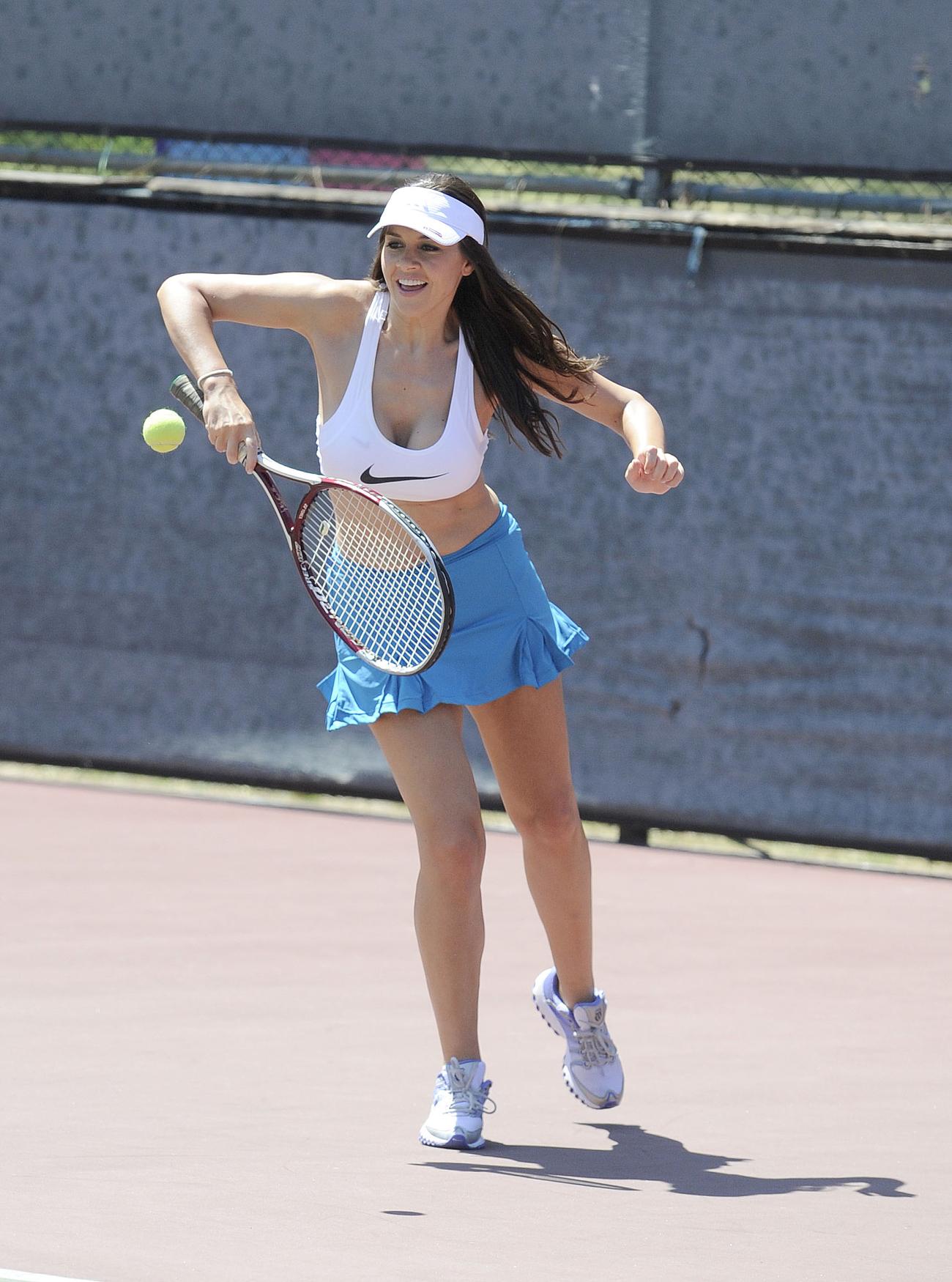 imogen-thomas-looks-hot-while-playing-tennis-03 | GotCeleb