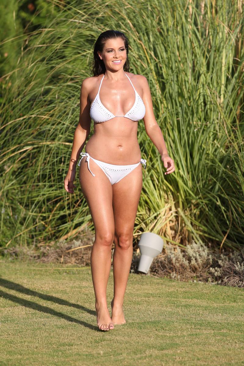 Imogen Thomas 2011 : imogen-thomas-shooting-her-new-bikini-calendar-in-marbella-spain-13