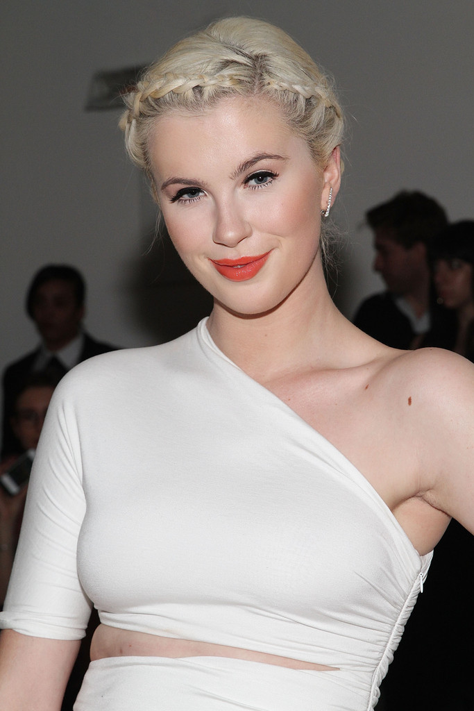 Ireland Baldwin: 2014 Fashion Show in NYC - Cushnie Et Ochs FW  -04