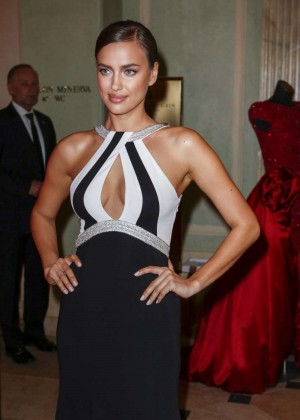Irina Shay: 2014 Gala Spa Awards -08