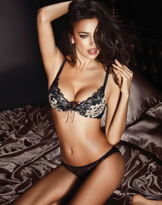 Irina%20Shayk%20hot%20in%20lingerie-03-5