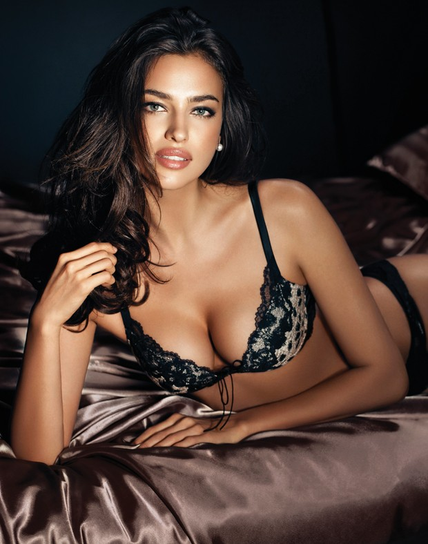 http://www.gotceleb.com/wp-content/uploads/celebrities/irina-shayk/in-la-clover-underwear-photoshoot/Irina%20Shayk%20hot%20in%20lingerie-09.jpg